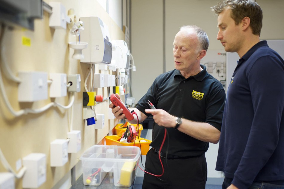 Strange Electrician Training For New Entrants Existing Electricians Ecta Wiring Digital Resources Funapmognl